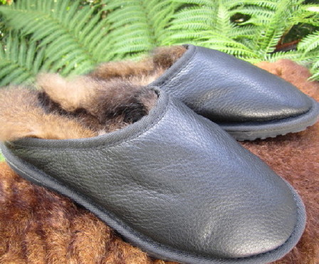 POSSUM FUR CLOGS