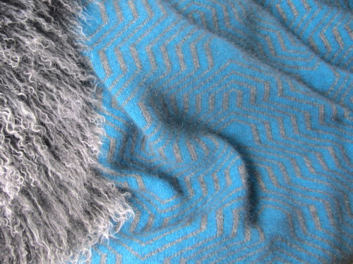KORU K0963 ~ Possum Merino Silk Patterned Throw